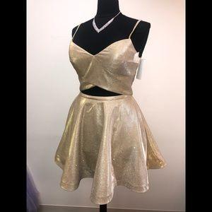Ellie Wilde Gold Short Formal Dress
